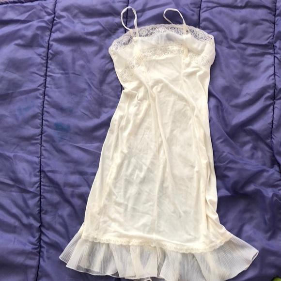 633861e27d9 Vintage slip dress no size listed white. M 5ada52802ab8c5f3d3dea423